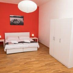 Отель Welcome Charles Bridge Apartments Чехия, Прага - отзывы, цены и фото номеров - забронировать отель Welcome Charles Bridge Apartments онлайн комната для гостей фото 4