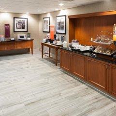 Отель Hampton Inn & Suites Tulare питание фото 2