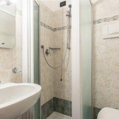 Отель Iris Venice Италия, Венеция - 3 отзыва об отеле, цены и фото номеров - забронировать отель Iris Venice онлайн ванная фото 4