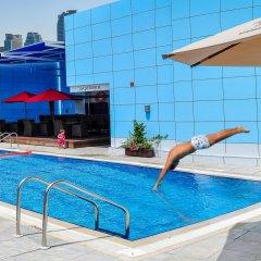 Отель Copthorne Hotel Sharjah ОАЭ, Шарджа - отзывы, цены и фото номеров - забронировать отель Copthorne Hotel Sharjah онлайн бассейн фото 2