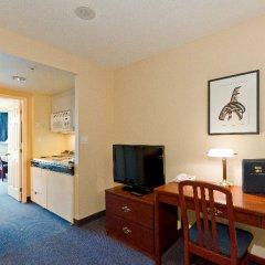Отель Rosedale On Robson Suite Hotel Канада, Ванкувер - отзывы, цены и фото номеров - забронировать отель Rosedale On Robson Suite Hotel онлайн удобства в номере