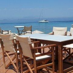 Отель Irides Luxury Studios & Apartments Греция, Эгина - отзывы, цены и фото номеров - забронировать отель Irides Luxury Studios & Apartments онлайн пляж фото 2