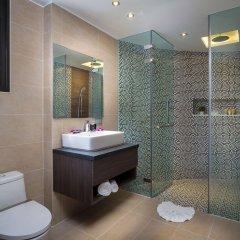 Отель Relax @ Twin Sands Resort and Spa ванная фото 2