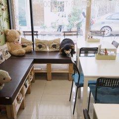 Отель Counting Sheep Hostel Таиланд, Бангкок - 1 отзыв об отеле, цены и фото номеров - забронировать отель Counting Sheep Hostel онлайн питание фото 3