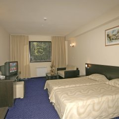 Hotel Finlandia- Half Board Пампорово комната для гостей