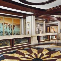 Movenpick Hotel & Apartments Bur Dubai интерьер отеля