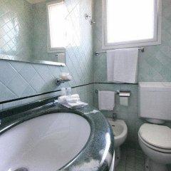 Отель Park Hotel Serena Италия, Римини - 1 отзыв об отеле, цены и фото номеров - забронировать отель Park Hotel Serena онлайн ванная фото 2