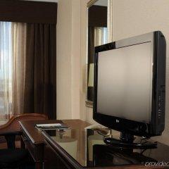 Отель Best Western Premier Calgary Plaza Hotel & Conference Centre Канада, Калгари - отзывы, цены и фото номеров - забронировать отель Best Western Premier Calgary Plaza Hotel & Conference Centre онлайн удобства в номере фото 2