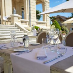 Отель Chateau Hotel and Spa Grand Barrail Франция, Сент-Эмильон - отзывы, цены и фото номеров - забронировать отель Chateau Hotel and Spa Grand Barrail онлайн помещение для мероприятий