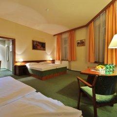 Отель Three Crowns Hotel Чехия, Прага - 6 отзывов об отеле, цены и фото номеров - забронировать отель Three Crowns Hotel онлайн комната для гостей фото 3