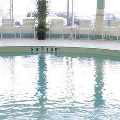 Отель Hampton Inn by Hilton Toronto Airport Corporate Centre Канада, Торонто - отзывы, цены и фото номеров - забронировать отель Hampton Inn by Hilton Toronto Airport Corporate Centre онлайн бассейн фото 3