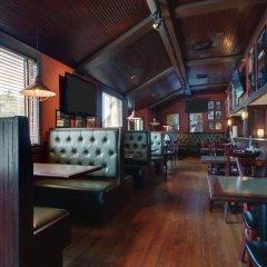 Отель Hampton Inn by Hilton Pawtucket гостиничный бар