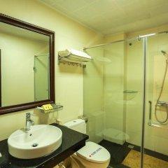 Отель Wild Lotus Hotel - Hoan Kiem Вьетнам, Ханой - отзывы, цены и фото номеров - забронировать отель Wild Lotus Hotel - Hoan Kiem онлайн ванная фото 2