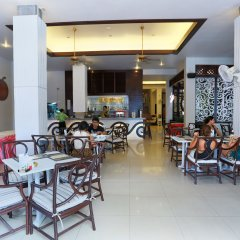 Отель Days Inn by Wyndham Patong Beach Phuket Таиланд, Карон-Бич - 1 отзыв об отеле, цены и фото номеров - забронировать отель Days Inn by Wyndham Patong Beach Phuket онлайн питание фото 3
