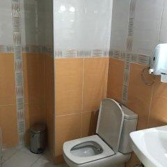 Sahlan Otel by Esila Турция, Усак - отзывы, цены и фото номеров - забронировать отель Sahlan Otel by Esila онлайн ванная