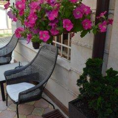 Отель Bon Bon Hotel Болгария, София - отзывы, цены и фото номеров - забронировать отель Bon Bon Hotel онлайн бассейн