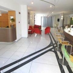 Отель Palm Beach Hotel Италия, Чинизи - 1 отзыв об отеле, цены и фото номеров - забронировать отель Palm Beach Hotel онлайн интерьер отеля