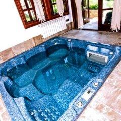 Отель Sharlopova Boutique Guest House - Sauna & Hot Tub Боженци бассейн фото 2