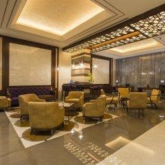 Отель Golden Tulip Al Thanyah гостиничный бар