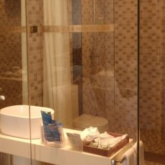 Отель Shenzhen Tourism Trend Hotel Китай, Шэньчжэнь - отзывы, цены и фото номеров - забронировать отель Shenzhen Tourism Trend Hotel онлайн ванная