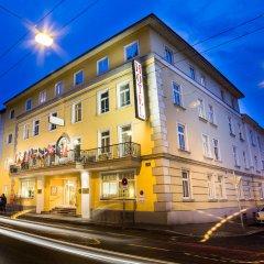 Отель Goldeness Theaterhotel Зальцбург вид на фасад