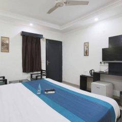 Отель Fabhotel Kailash Colony Metro Station удобства в номере фото 2