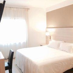 Отель Carbonell Испания, Льянса - отзывы, цены и фото номеров - забронировать отель Carbonell онлайн комната для гостей фото 3