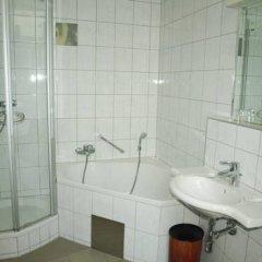 Отель Terminus Vienna Австрия, Вена - 7 отзывов об отеле, цены и фото номеров - забронировать отель Terminus Vienna онлайн ванная