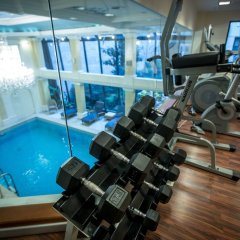 Queen's Court Hotel &Residence фитнесс-зал фото 2