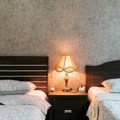 Gold Hill Guesthouse - Hostel сейф в номере