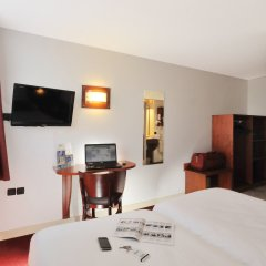 Brit Hotel Rennes St Grégoire - Le Villeneuve удобства в номере