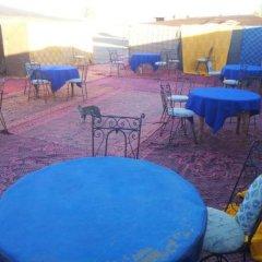 Отель Auberge Chez Julia Марокко, Мерзуга - отзывы, цены и фото номеров - забронировать отель Auberge Chez Julia онлайн бассейн