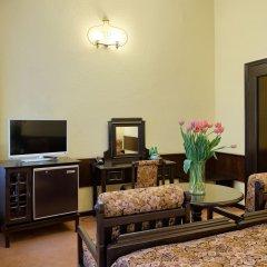 Hotel Dwór Polski комната для гостей