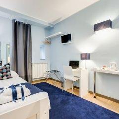 Отель Easy budget Colosseo сейф в номере