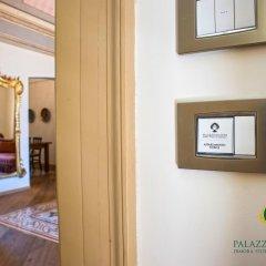 Отель Palazzo Scotto Альберобелло сейф в номере