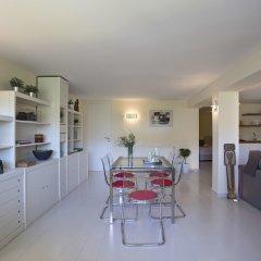 Апартаменты Posh & minimal studio в номере