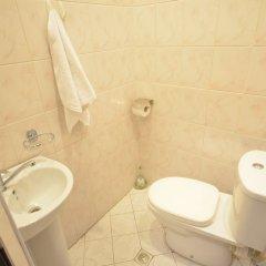 Отель on Kotetishvili 3 ap 4 Грузия, Тбилиси - отзывы, цены и фото номеров - забронировать отель on Kotetishvili 3 ap 4 онлайн ванная