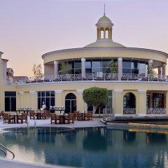 Отель Courtyard by Marriott Dubai Green Community бассейн