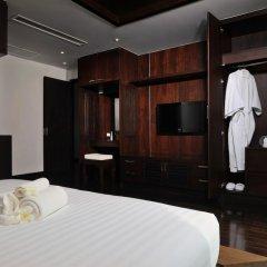 Отель Kamala Villa Hill сейф в номере