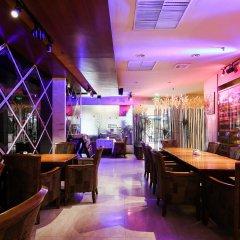 Guangzhou The Royal Garden Hotel гостиничный бар
