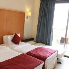 Отель Ramada Resort Dead Sea Иордания, Ма-Ин - 1 отзыв об отеле, цены и фото номеров - забронировать отель Ramada Resort Dead Sea онлайн комната для гостей фото 6