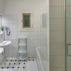 Апартаменты Old Town Square Premium Apartments Прага ванная