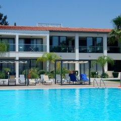 Royal Blue Hotel Paphos бассейн