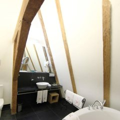 The Three Sisters Hotel ванная