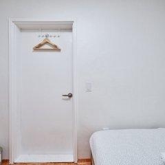 Seoul Best Stay - Hostel сейф в номере