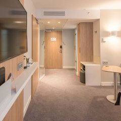 Отель Holiday Inn Express Hamburg - City Hauptbahnhof сауна