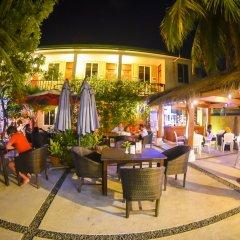 Отель Casadana Thulusdhoo Остров Гасфинолу питание фото 2