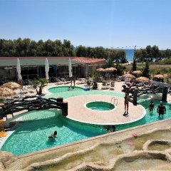 Grand Beach Hotel бассейн фото 3