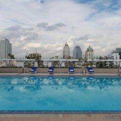 Отель Trinity Silom Hotel Таиланд, Бангкок - 2 отзыва об отеле, цены и фото номеров - забронировать отель Trinity Silom Hotel онлайн бассейн фото 2