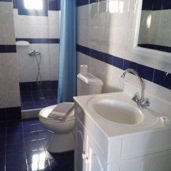 Отель Roula Villa Греция, Остров Санторини - отзывы, цены и фото номеров - забронировать отель Roula Villa онлайн ванная фото 2